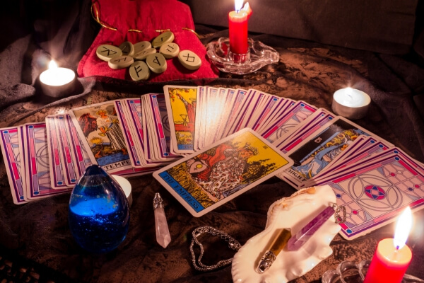 Beginner's guide for tarot card layouts