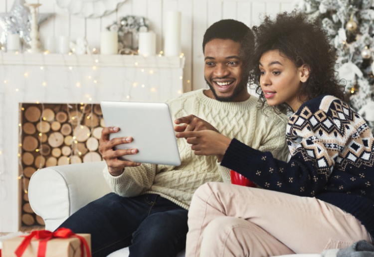 5 Genius Ways to Give Money for the Holidays That You Can Do Online