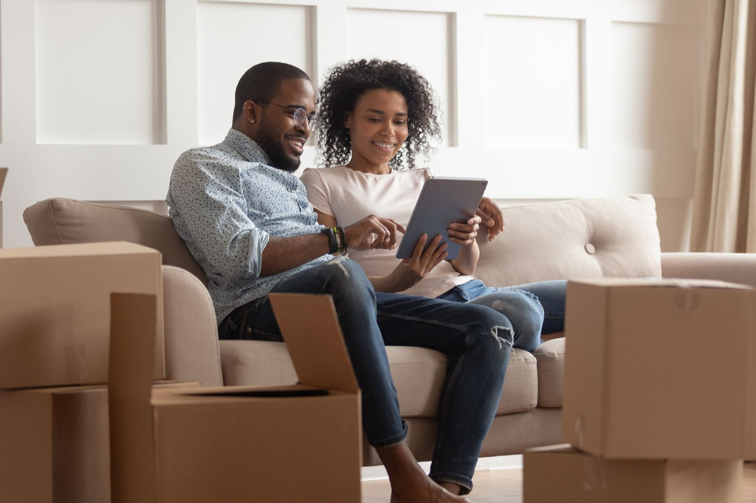 Couple choosing mortgage