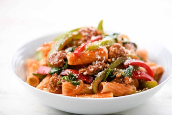 Home Chef's Italian Sausage and Peppers Rigatoni with Spinach and Parmesan